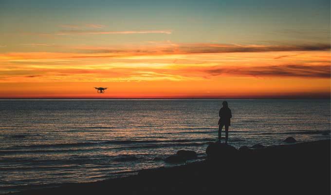 Gute Drohnen für Strandbilder auf Reisen